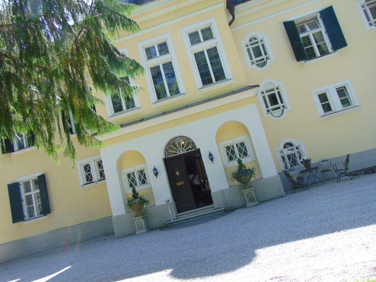 Pulling into the Von Trapp Villa